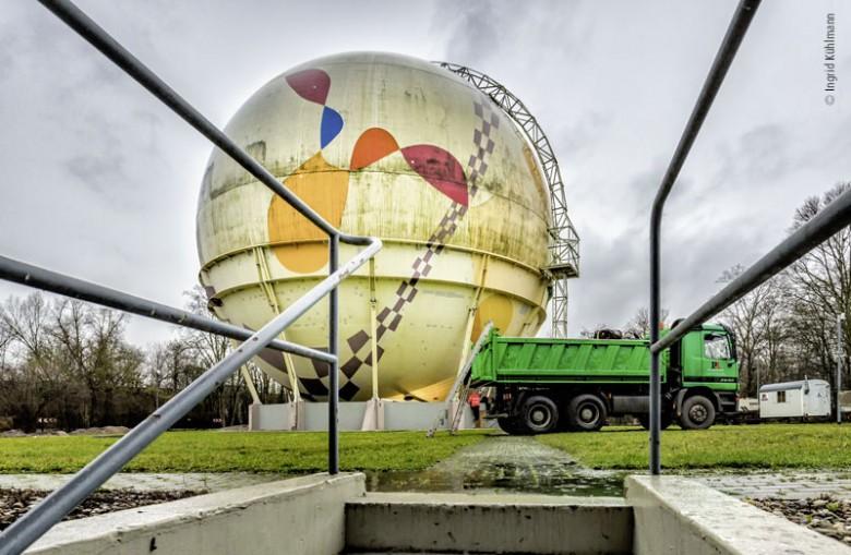 Abbau der Gaskugeln in Ludwigshafen