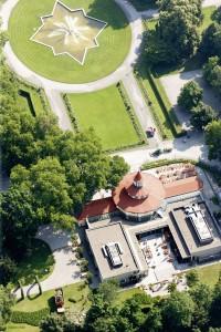 Das Turmrestaurant liegt mitten im Ebertpark, der grünen Oase von Ludwigshafen.