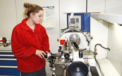 Frauen starten mit technischer Ausbildung durch