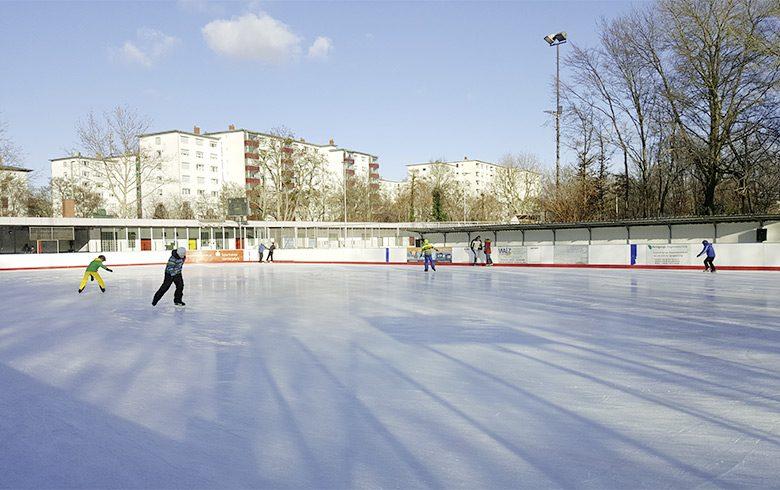 Winterspaß im Eisstadion Ludwigshafen