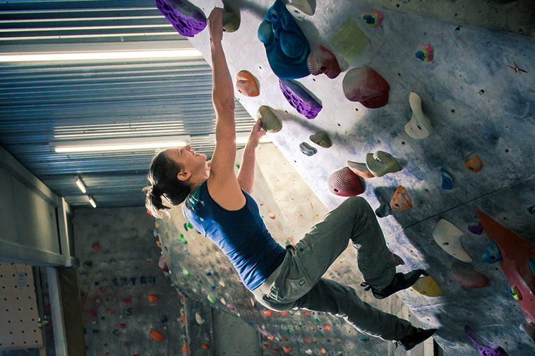 Rundum fit durchs Klettern in der Halle