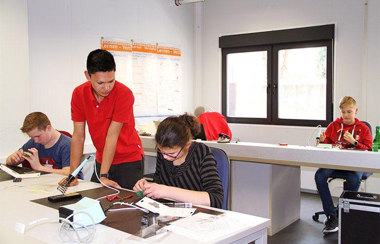 Jugendliche nutzen die Berufsorientierung bei TWL