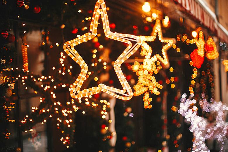 Strom sparen bei der Weihnachtsbeleuchtung