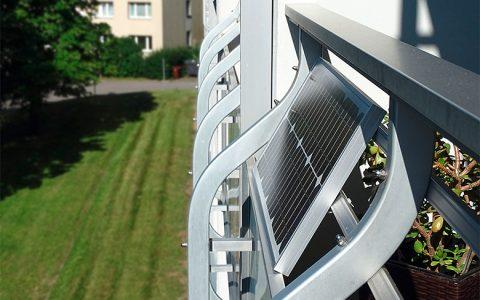 Mini-Solaranlagen erzeugen Grünstrom vom Balkon